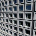 與良展配合之建案 - 台中市 - 台中大毅老爺酒店 - 產品 : 井美無縫摺疊紗窗 - 窗戶外觀