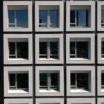 與良展配合之建案 - 台中市 - 台中大毅老爺酒店 - 產品 : 井美無縫摺疊紗窗 - 窗戶正面