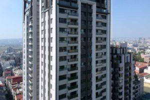 與良展配合之建案 - 台中市 - 國泰頤湖苑 - 產品 : 防蚊折疊紗窗 - 建築側面
